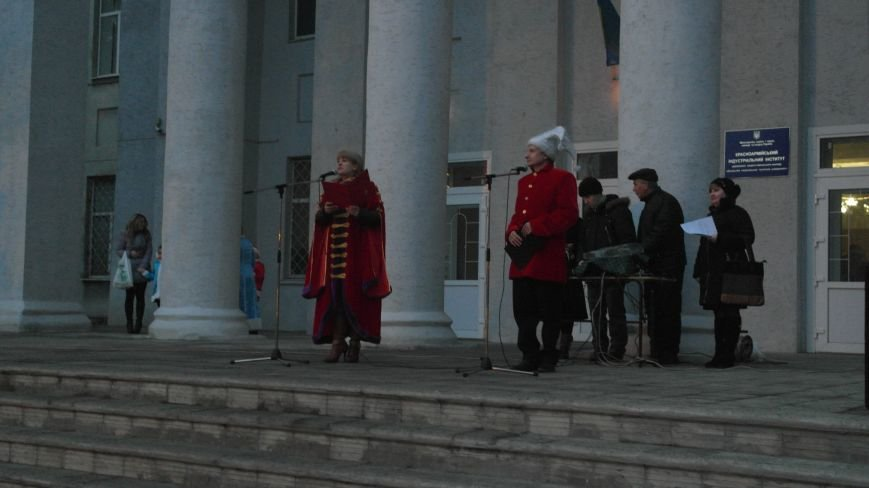«Раз, два, три…» В Красноармейске «зажглась» Новогодняя елка, фото-9