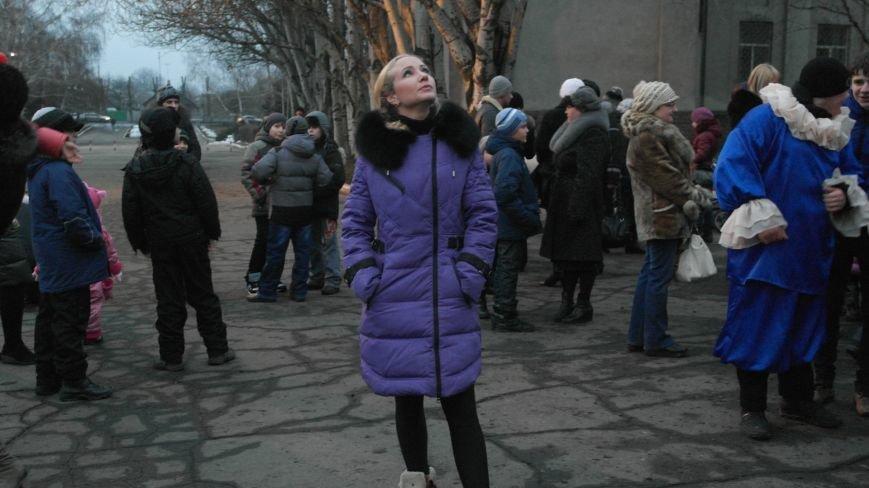 «Раз, два, три…» В Красноармейске «зажглась» Новогодняя елка, фото-8