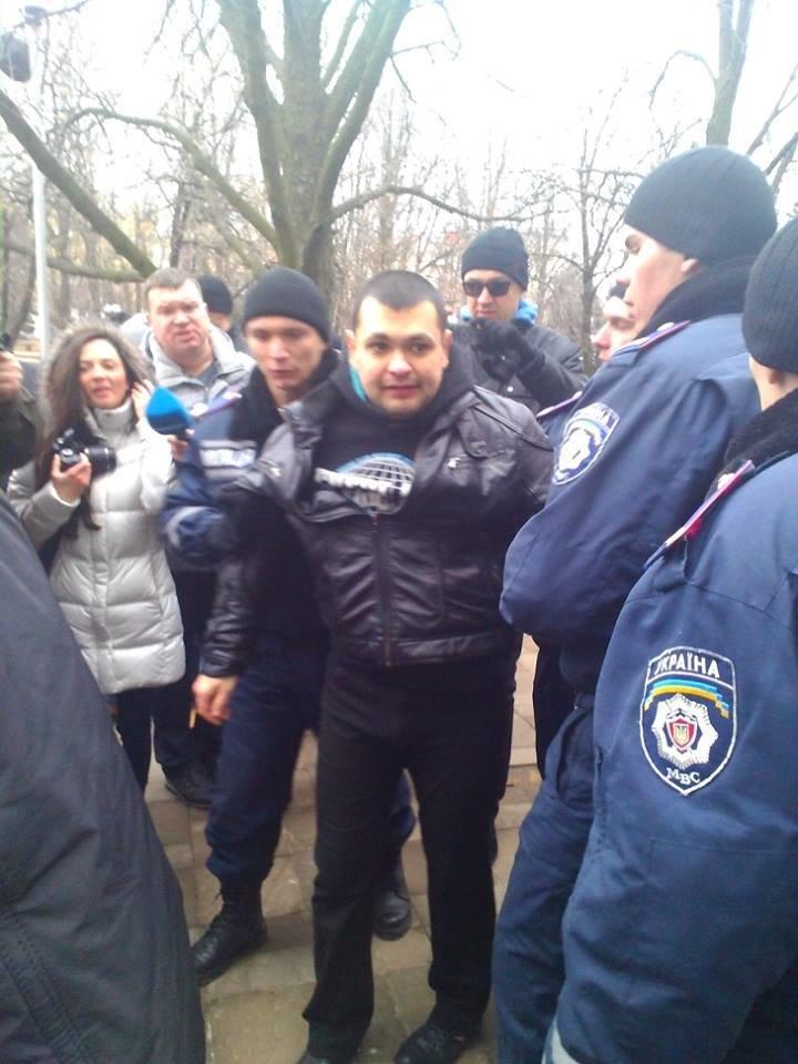 Сегодня Луганский Евромайдан закидали дымовыми шашками (ФОТО, ВИДЕО), фото-6