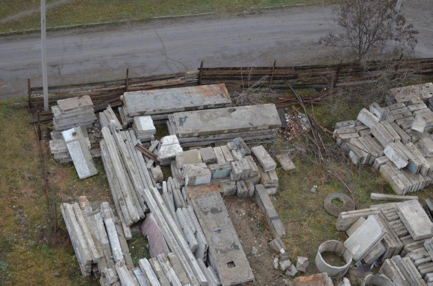 В Луганске жители протестуют против строительства склада на придомовой территории (дополнено) ФОТО, фото-1