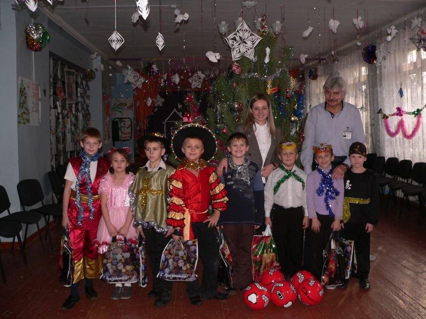 TRINITY поздравила воспитанников интернатов Мариуполя с Новым Годом!, фото-2