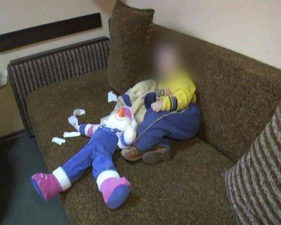 Супруги из Димитрова продавали полуторагодовалого ребенка за 72 тысячи гривен (Дополнено фото), фото-2