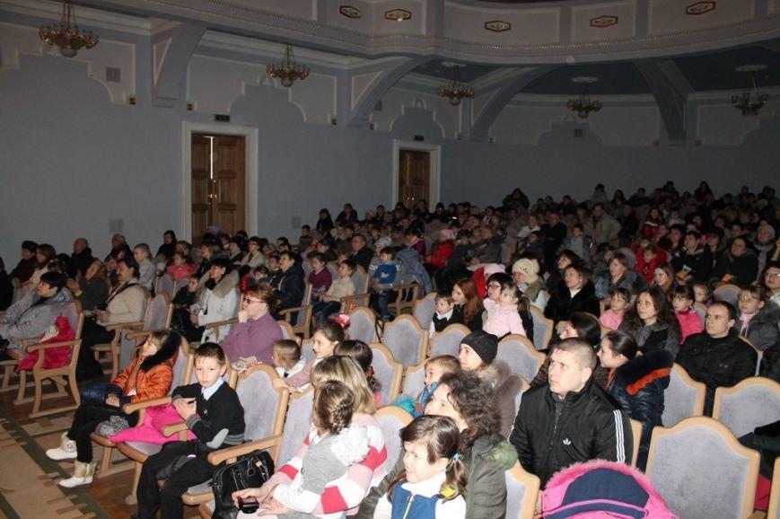В Артемовске детей с особыми потребностями поздравили с Новогодними праздниками, фото-2