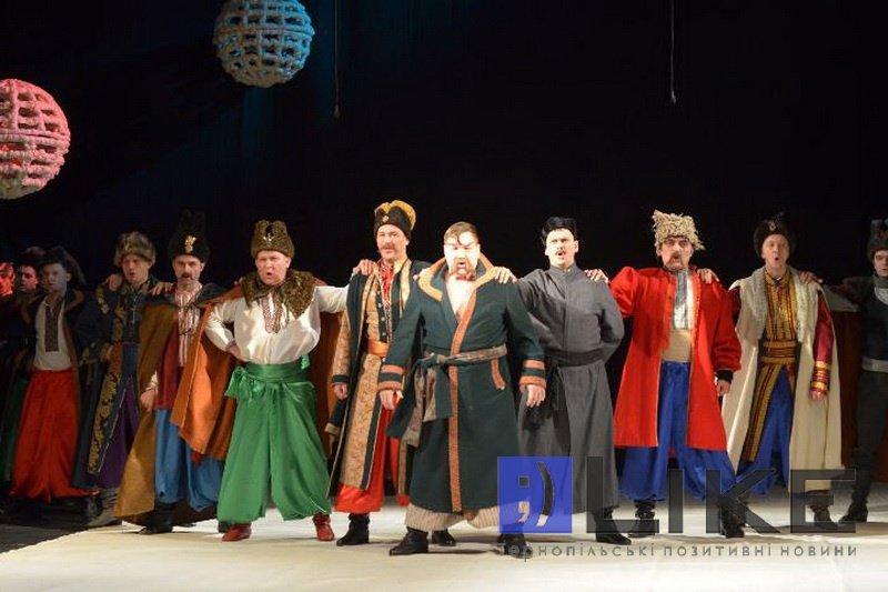 Тернопільський драмтеатр підготував різдвяний сюрприз для жителів та гостей міста, фото-3