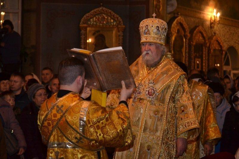 Глава Чувашии посетил Рождественское богослужение в Покровско-Татианинском соборе (ФОТО), фото-2