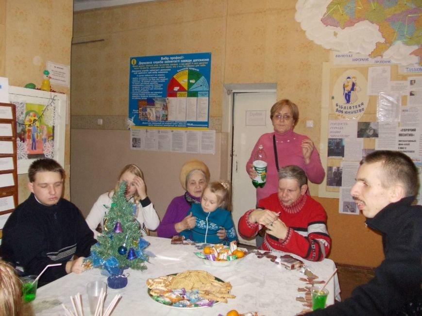 В юношеской библиотеке состоялась рождественская встреча  ветеранов и воспитанников КШ «Буревестник», фото-1