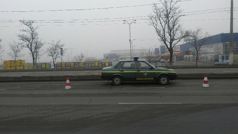 В Мариуполе брошенный на дороге автомобиль спровоцировал аварию (ФОТО+ВИДЕО), фото-6