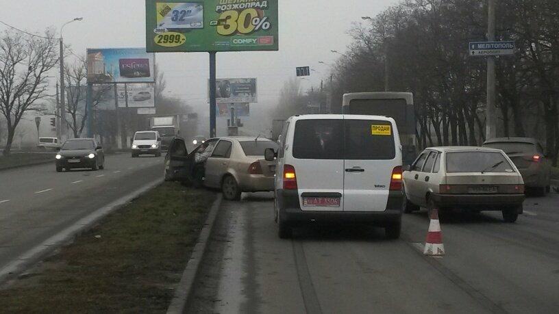 В Мариуполе брошенный на дороге автомобиль спровоцировал аварию (ФОТО+ВИДЕО), фото-4