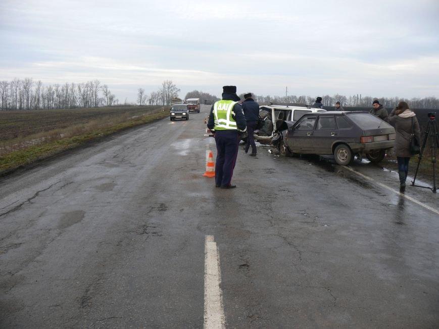 В жуткой аварии возле Сум пострадало пять человек (ФОТО), фото-8