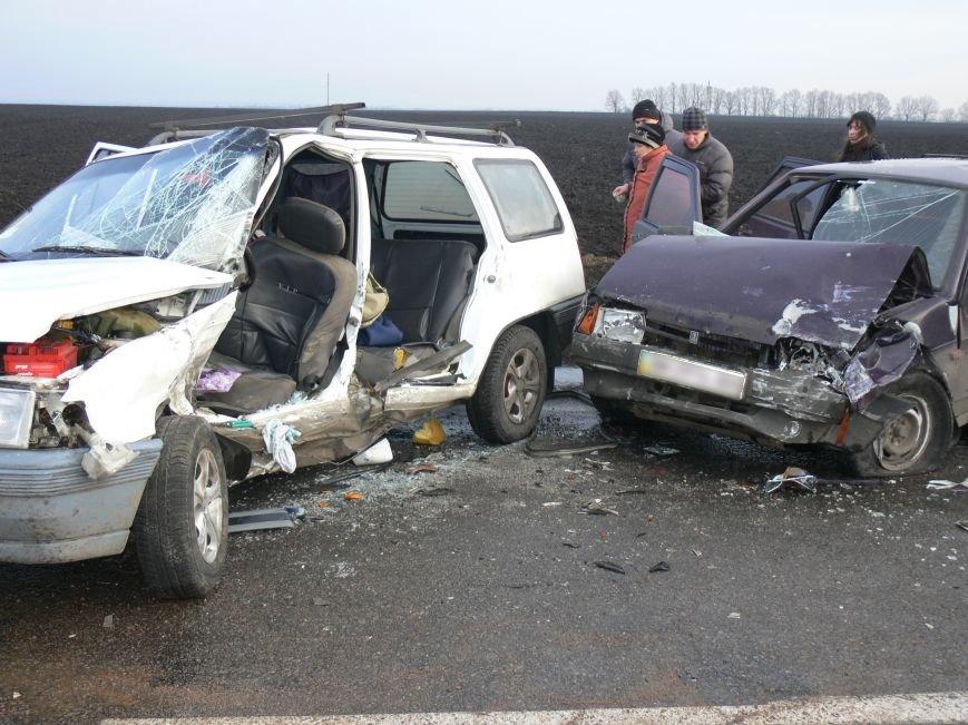 В жуткой аварии возле Сум пострадало пять человек (ФОТО), фото-3