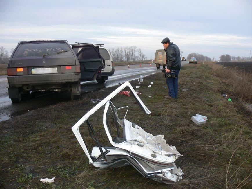 В жуткой аварии возле Сум пострадало пять человек (ФОТО), фото-7