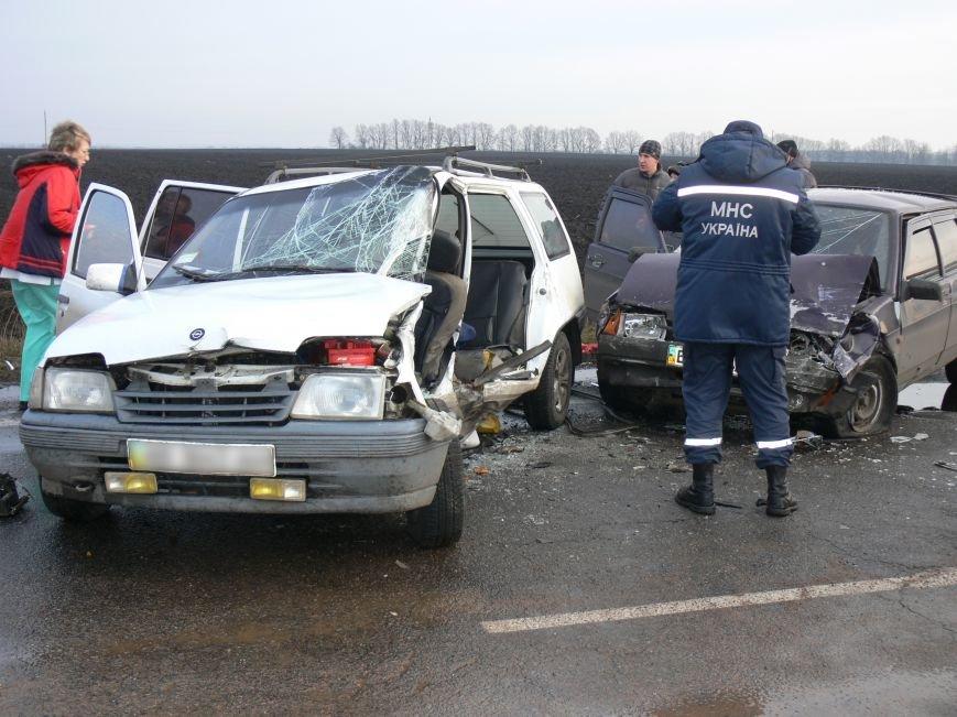 В жуткой аварии возле Сум пострадало пять человек (ФОТО), фото-2