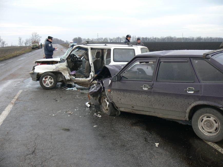В жуткой аварии возле Сум пострадало пять человек (ФОТО), фото-10