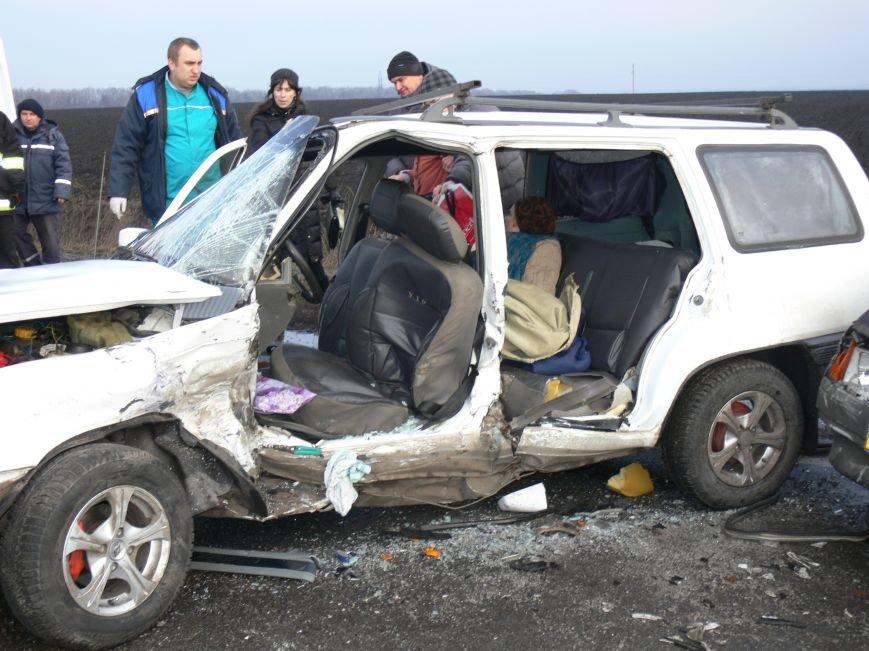 В жуткой аварии возле Сум пострадало пять человек (ФОТО), фото-5