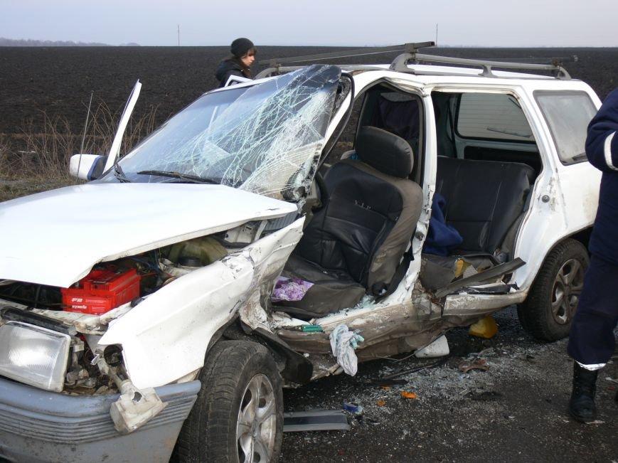 В жуткой аварии возле Сум пострадало пять человек (ФОТО), фото-1