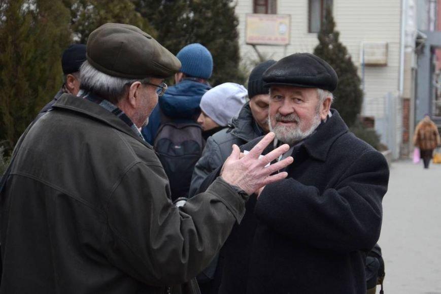 В Харькове «титушки» с ножами и газовыми баллончиками штурмовали церковь, в которой забаррикадировались евромайдановцы (ОБНОВЛЕНО, фото), фото-15