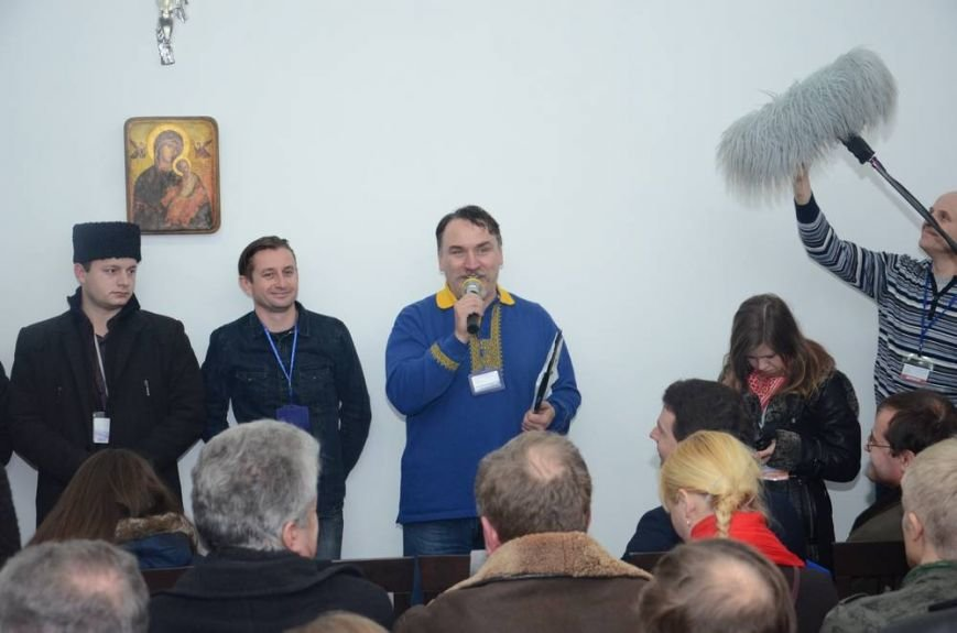 В Харькове «титушки» с ножами и газовыми баллончиками штурмовали церковь, в которой забаррикадировались евромайдановцы (ОБНОВЛЕНО, фото), фото-64