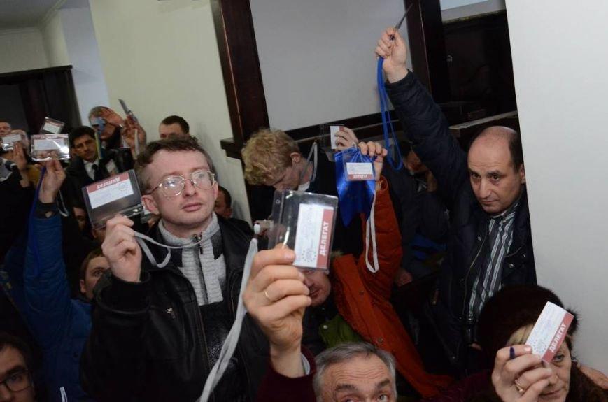 В Харькове «титушки» с ножами и газовыми баллончиками штурмовали церковь, в которой забаррикадировались евромайдановцы (ОБНОВЛЕНО, фото), фото-67