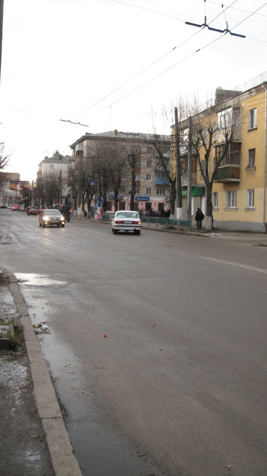 Житомирські дороги та узбіччя полонила ожеледь, фото-2