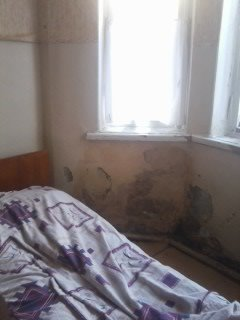 В одной из больниц центра Донецка в детском отделении окна «забиты одеялами» (фото), фото-4