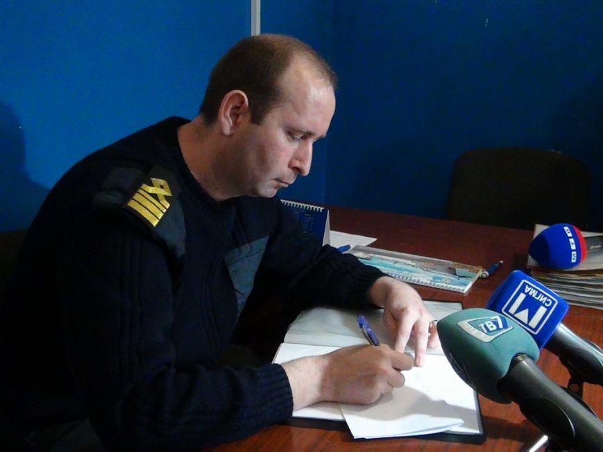 Лодка, перевернувшаяся в Азовском море в Мариуполе, не была зарегистрирована, фото-3