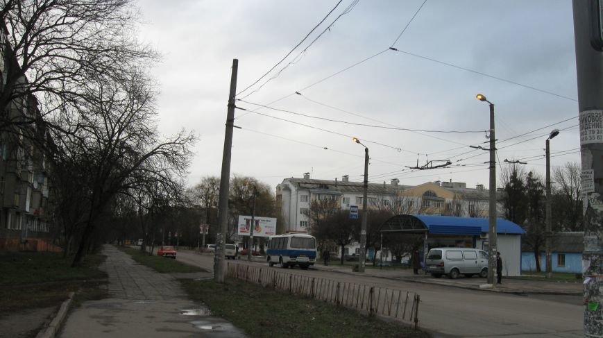 На Польовій світло на вулицях горить серед білого дня, фото-1