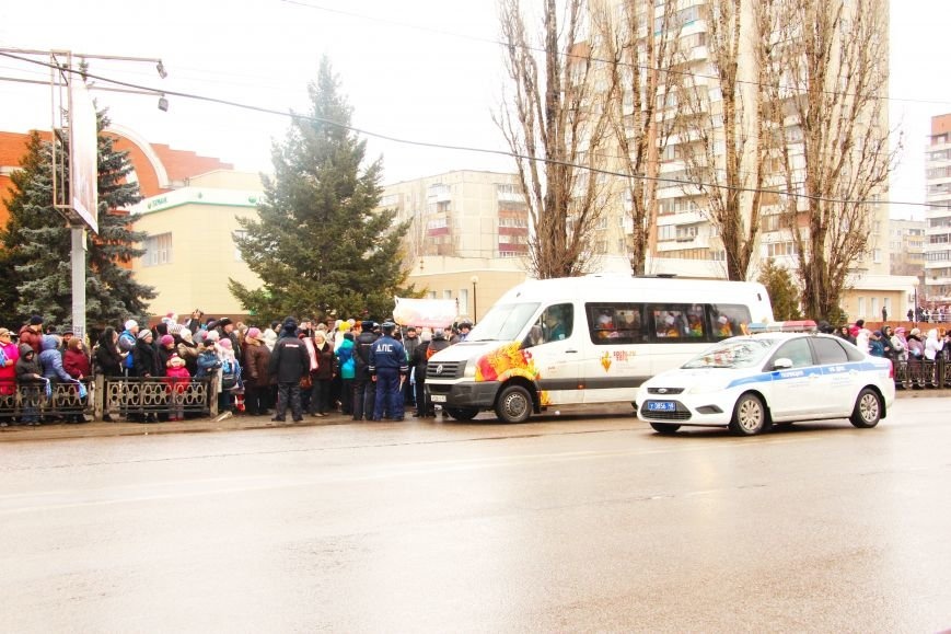 В Липецке проходит Олимпийская эстафета (ВИДЕО и ФОТООТЧЕТ), фото-1