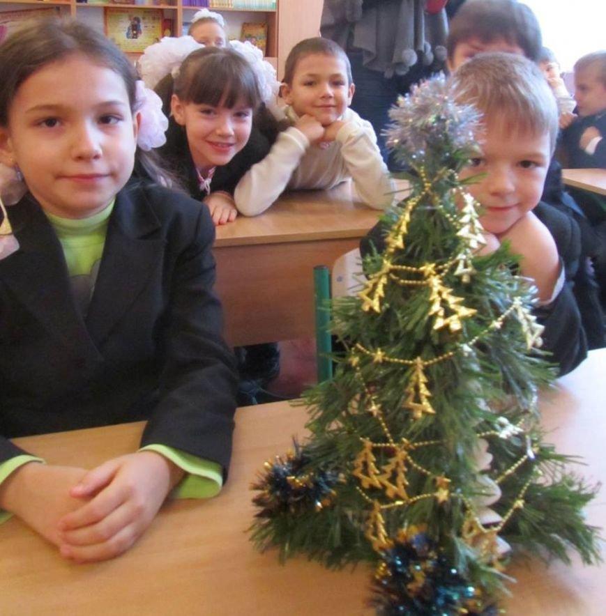 Киевские школьники подарили детям Родинского книги, фото-2