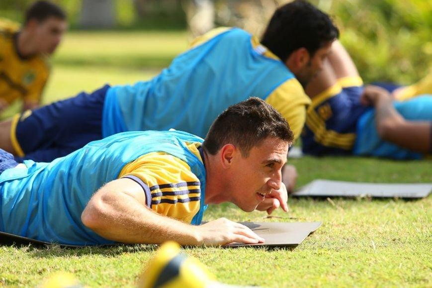 Футбол через сетку и работа над «физикой»: «Металлист» продолжает сборы в ОАЭ (фото), фото-3