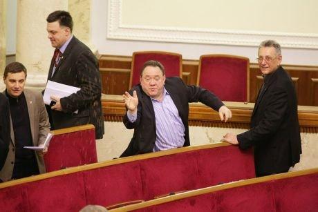 Оппозиция блокирует Верховную Раду, Бенюк засевает, а под АП - митинг (фото), фото-4
