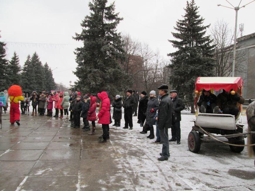 В Горловке с хороводами и песнями закрыли городскую ёлку, фото-5