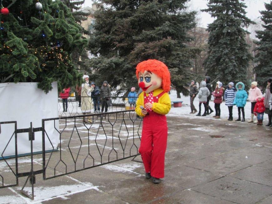 В Горловке с хороводами и песнями закрыли городскую ёлку, фото-3