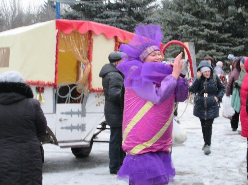 В Горловке с хороводами и песнями закрыли городскую ёлку, фото-7