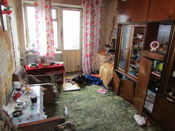 «Радушная» хозяйка из Селидова воткнула своему гостю нож в спину, фото-1
