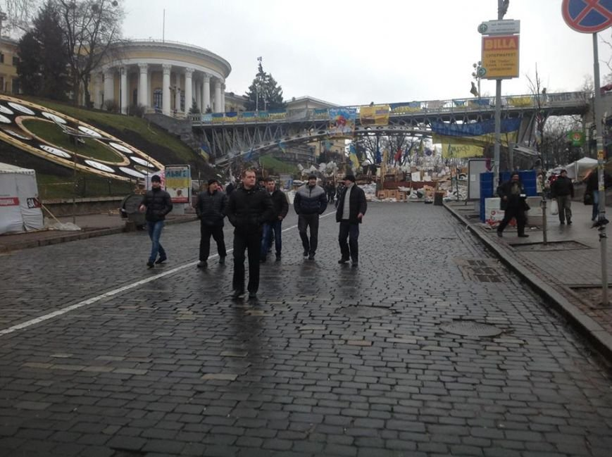 Титушки из Мариуполя и Донецка заполонили евромайдан - А.Парубий (ФОТО), фото-3