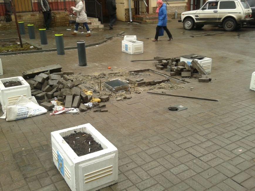 В Сумах боллард заработает с февраля, а пока его разобрали и перекрыли въезд на Воскресенскую (ФОТО), фото-1