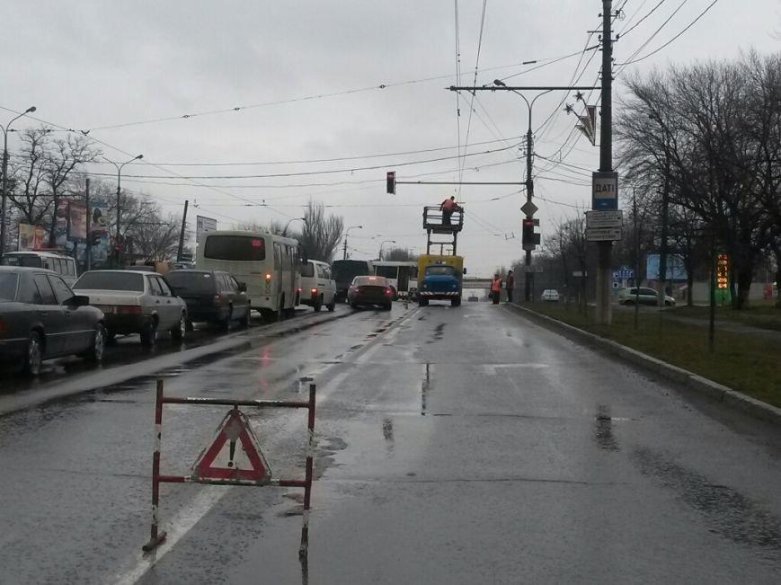В Мариуполе в Ильичевском районе парализовано движение электротранспорта (ФОТО), фото-4