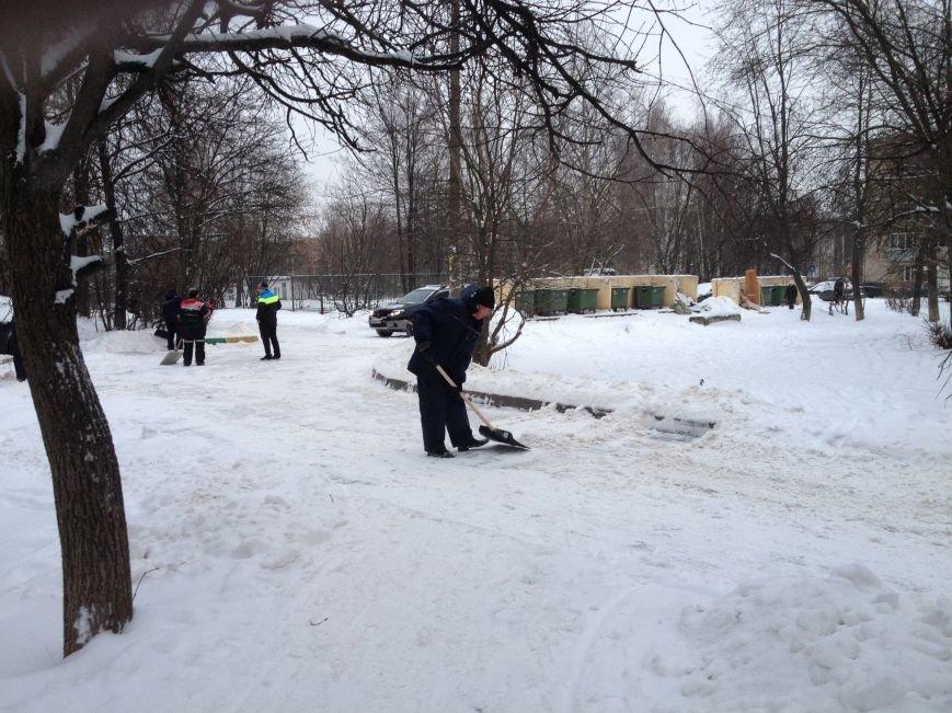 Коммунальные службы Домодедово устраняют последствия снегопада, фото-1