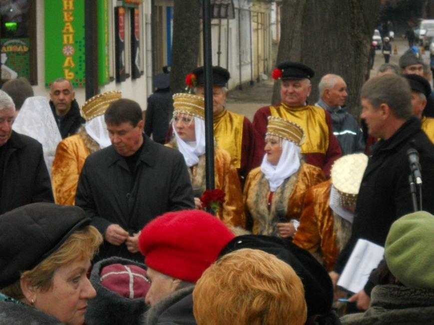 Митинг в честь юбилея Переяславской Рады в Симферополе: славили Хмельницкого и пели гимн СССР (ФОТО), фото-9