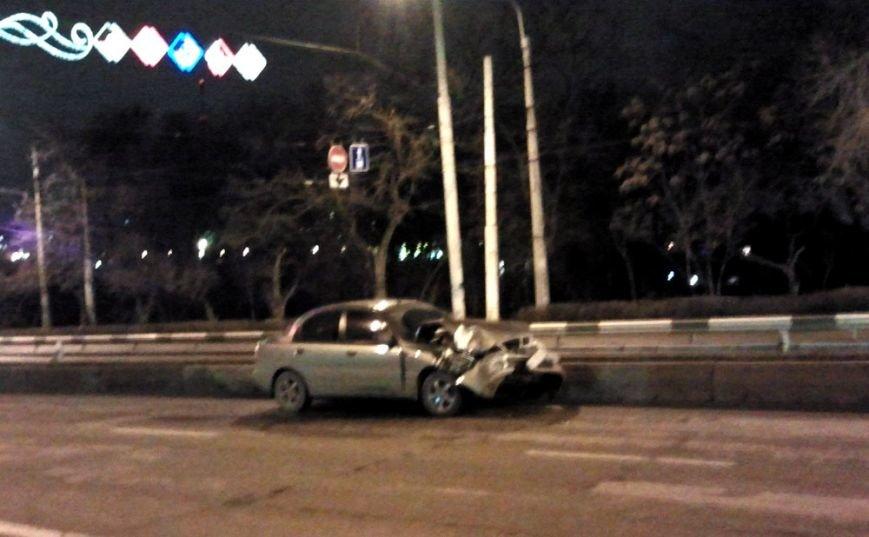 В Запорожье «Ланос» врезался в неуправляемый «Рено» (ФОТО), фото-2