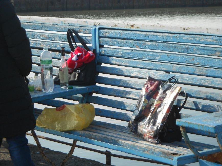 На Левобережье Мариуполя - праздничные купания (ФОТО), фото-10
