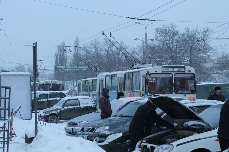 Столкновение микроавтобуса и иномарки застопорило дорогу в центре Сум (ФОТО), фото-4