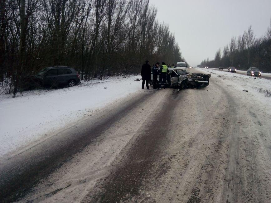 В автоаварии на дороге Горловка-Донецк пострадало три человека, фото-2