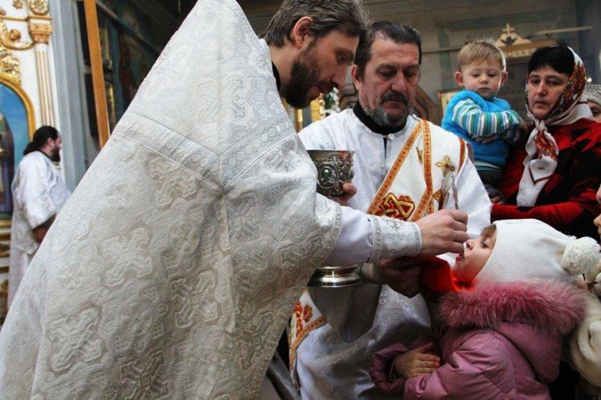 Архиепископ Митрофан совершил литургию в артемовском храме в День памяти Иоанна Крестителя (ФОТО + ВИДЕО), фото-10
