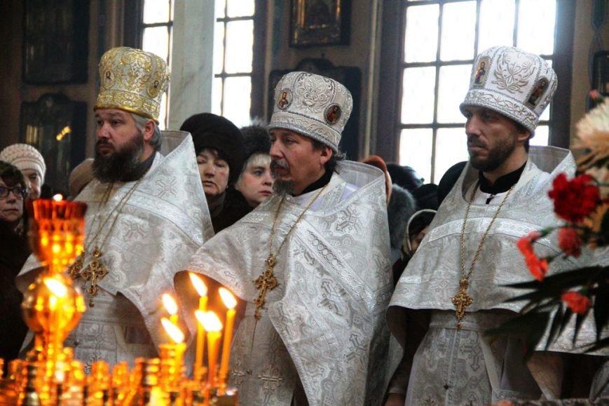 Архиепископ Митрофан совершил литургию в артемовском храме в День памяти Иоанна Крестителя (ФОТО + ВИДЕО), фото-5