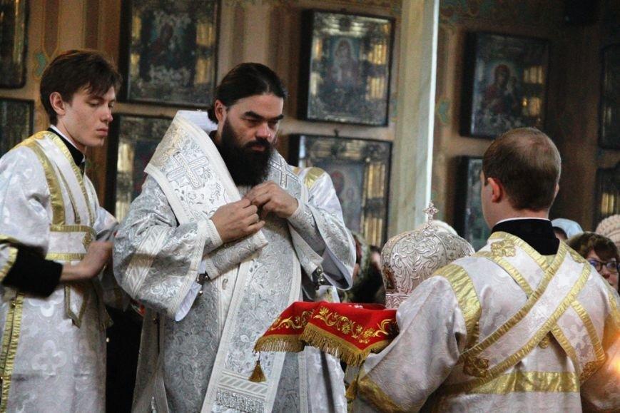 Архиепископ Митрофан совершил литургию в артемовском храме в День памяти Иоанна Крестителя (ФОТО + ВИДЕО), фото-4