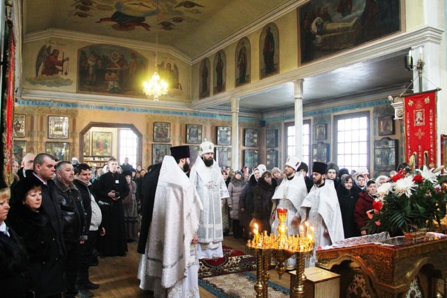 Архиепископ Митрофан совершил литургию в артемовском храме в День памяти Иоанна Крестителя (ФОТО + ВИДЕО), фото-6