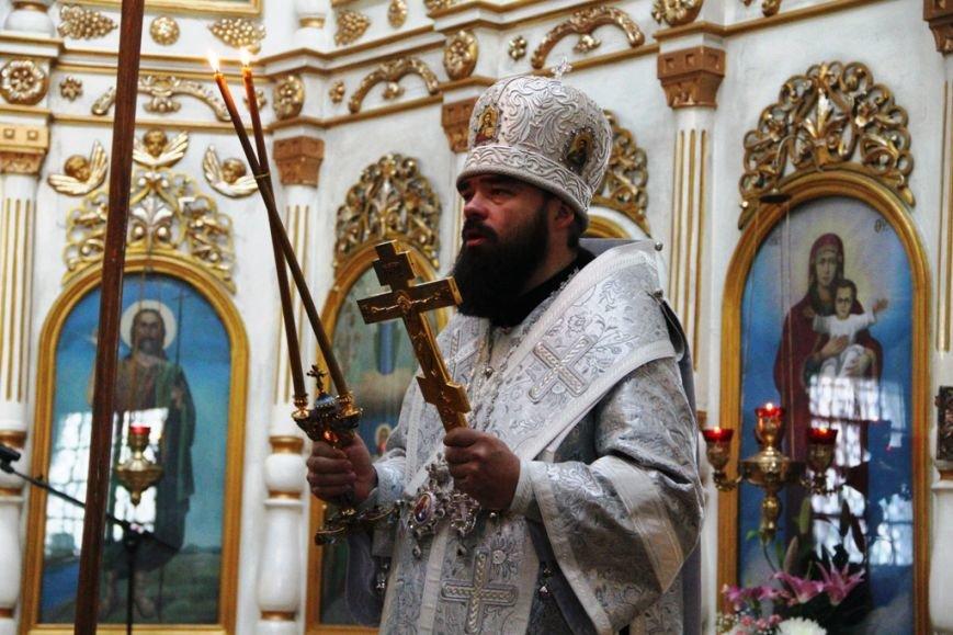Архиепископ Митрофан совершил литургию в артемовском храме в День памяти Иоанна Крестителя (ФОТО + ВИДЕО), фото-7