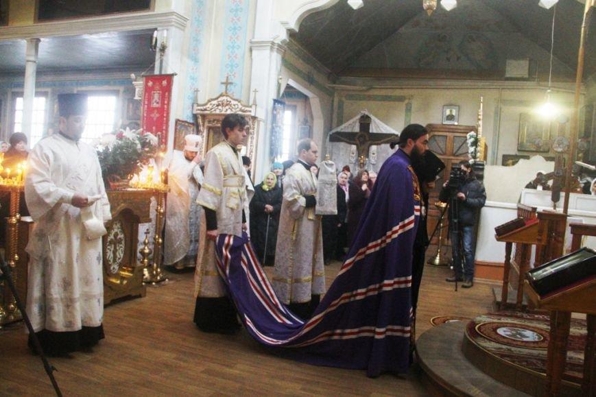 Архиепископ Митрофан совершил литургию в артемовском храме в День памяти Иоанна Крестителя (ФОТО + ВИДЕО), фото-2