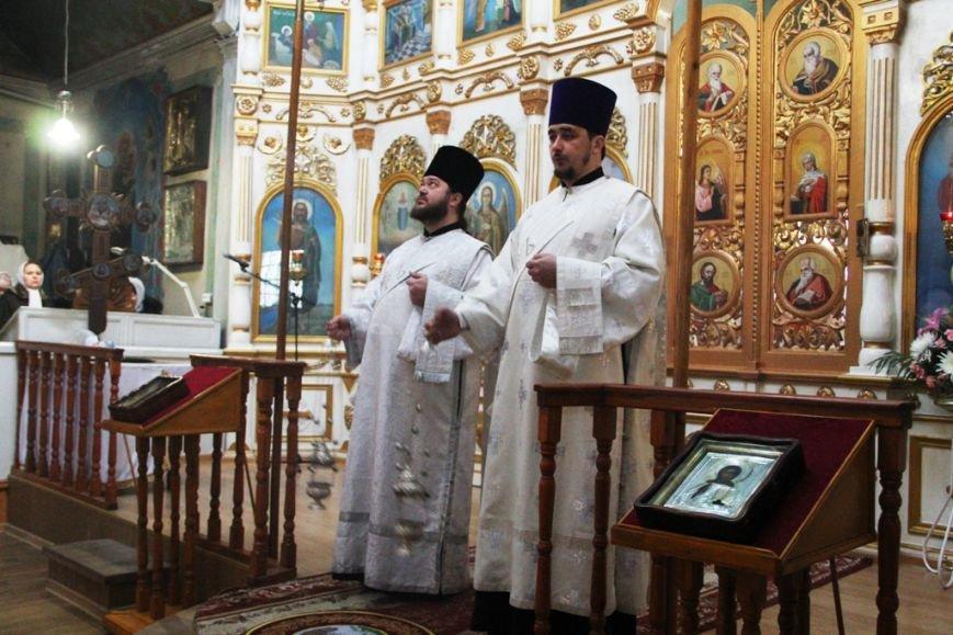 Архиепископ Митрофан совершил литургию в артемовском храме в День памяти Иоанна Крестителя (ФОТО + ВИДЕО), фото-3